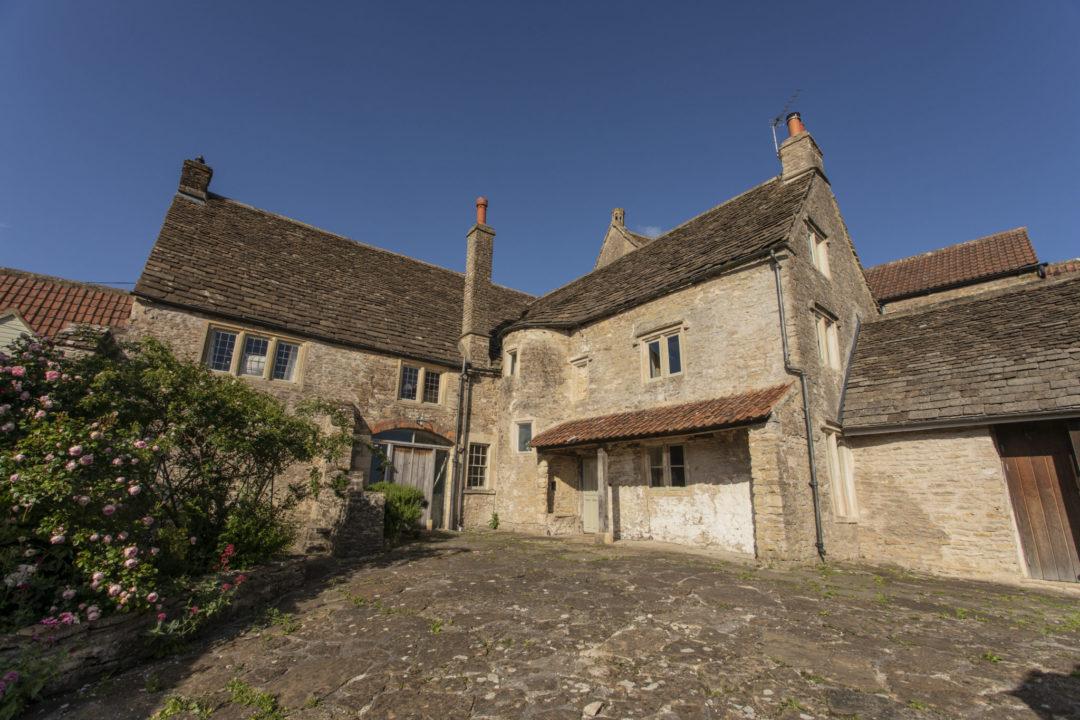 Medieval Malt House – Bath area